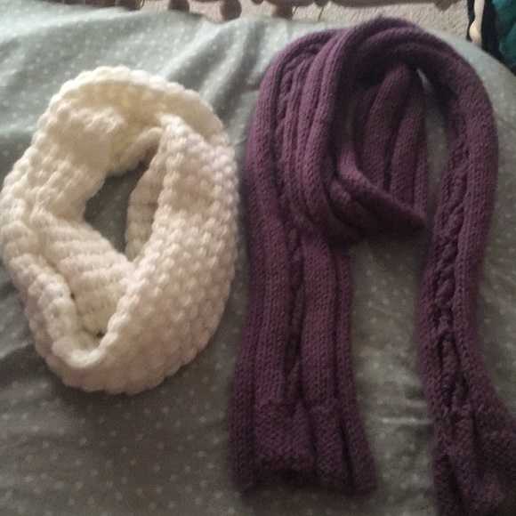 aerie Accessories - Two warm scarfs white and purple